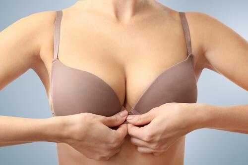 womans breast closeup-img-blog
